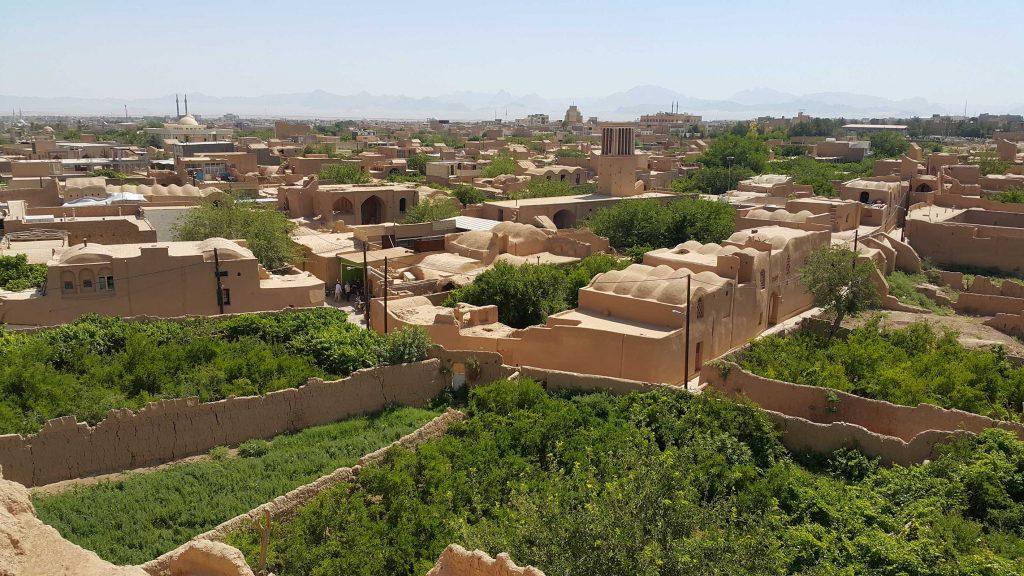 یزد میبد یزد طراحی اقلیمی مصالح بومی معماری سنتی معماری عقلانی